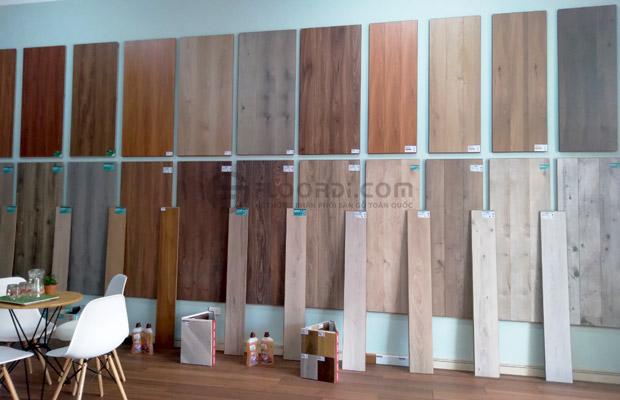 sàn gỗ trưng bày tại floordi kon tum