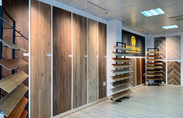 Sản phẩm ván gỗ được trưng bày tinh giản