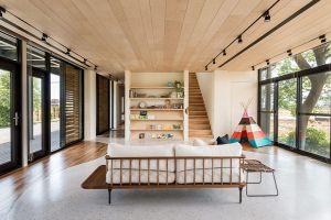 Ốp trần gỗ giá bao nhiêu ? Những mẫu ốp trần giả gỗ đẹp nhất hiện nay