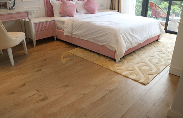 Kết hợp màu sàn với màu chủ đạo của căn phòng
