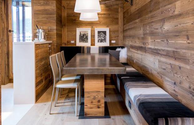 Lamri gỗ ốp tường tự nhiên