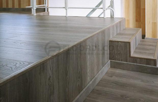 Lát bậc cầu thang gỗ công nghiệp