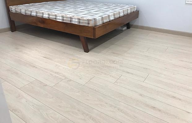 Len nẹp và nền sàn có màu tương đồng