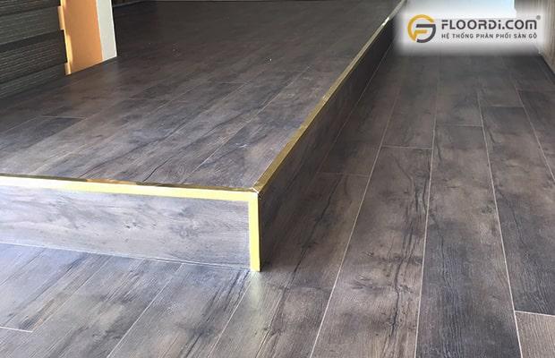 Có tác dụng che đi các điểm tiếp giáp giữa mép tấm gỗ với các vị trí kết nối khác
