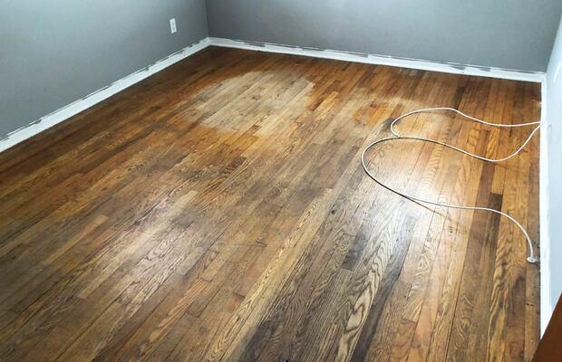 Sàn gỗ giá rẻ dễ hư hỏng