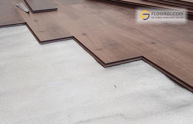 sàn gỗ với độ dày 12mm