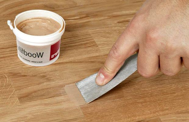 Sử dụng keo trám chuyên dụng xử lý vết nứt