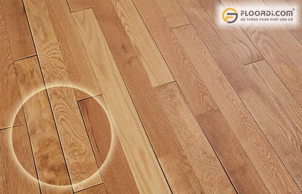 Sàn bị khe hở là tình trạng thường xảy ra khi sử dụng ván sàn kém chất lượng