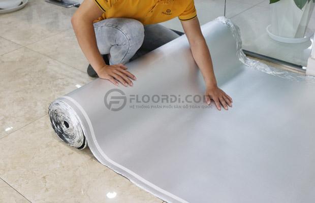 Sử dụng xốp lót nền chống nồm ẩm