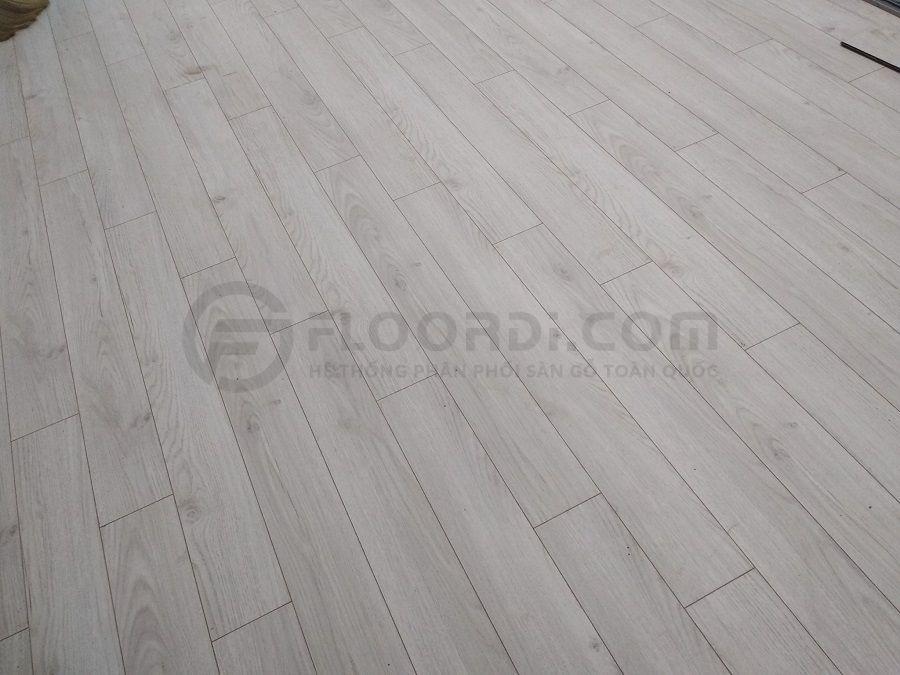 Thi cồng sàn gỗ Lamton D3033