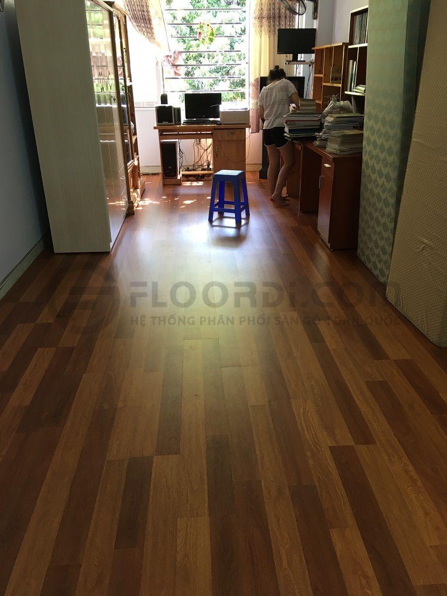Thi cồng sàn gỗ Lamton D8804