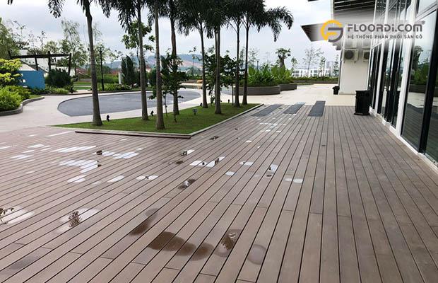 sàn gỗ nhựa ngoài trời nào tốt