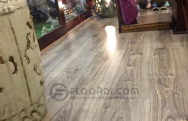 Cận cảnh sàn gỗ lắp đặt hoàn thiện