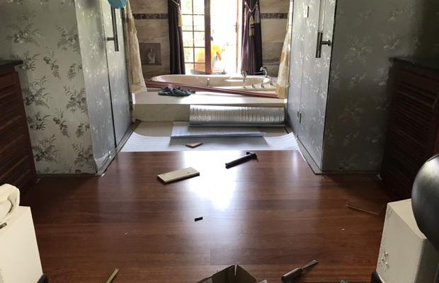 Lắp đặt sàn khu vực phòng tắm