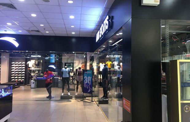 Màu xám sang với Décor hiện đại cực chất cho shop