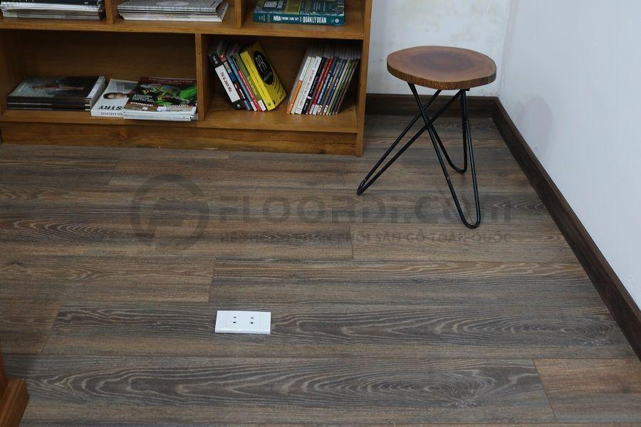 Thi công lắp đặt sàn gỗ Floorpan FP560 văn phòng làm việc