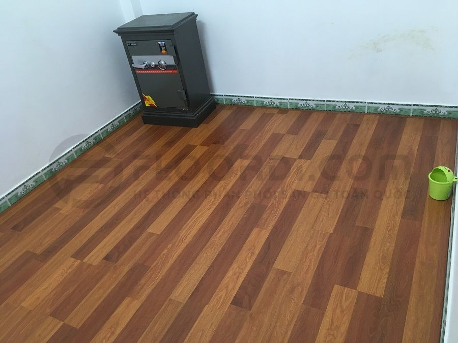 Thi công lắp đặt sàn gỗ công nghiệp Lamton D8805